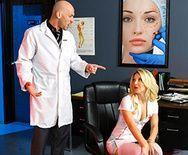 Жесткий секс доктора с блондинкой медсестрой - 1