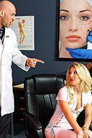 Жесткий секс доктора с блондинкой медсестрой #1