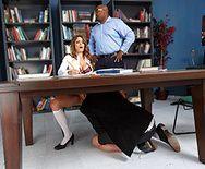 Трах в пизду сексуальной школьницы в униформе - 2