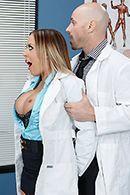 Смотреть горячее порно с пышной медсестрой в больнице #3