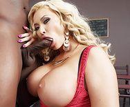Межрасовый секс с негром и грудастой зрелой блондинкой - 2
