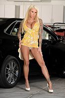 Жесткий секс на парковке с сисястой блондинкой #1