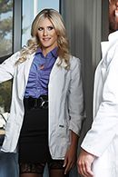 Смотреть порно развратной медсестры с доктором #2