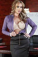 Горячий секс с блондинкой в чулках на офисном столе #1