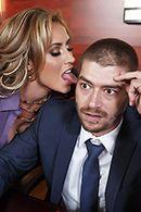 Горячий секс с блондинкой в чулках на офисном столе #2
