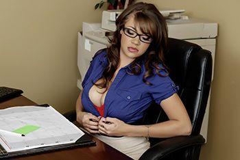 Смотреть страстный секс секретарши с боссом