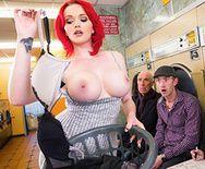 Горячее порно с прачечной с рыжей сучкой - 1