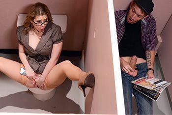 Жесткий секс в туалете студента в училкой
