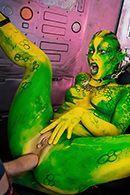 Смотреть фантастический секс втроем со стройными красотками #4