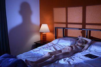 Нежный утренний секс со стройной блондинкой