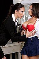 Сисястые лесбиянки кончают от дрочки фаллоимитатором #3