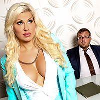 Жесткий секс босса со зрелой секретаршей на столе