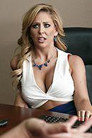 Смотреть порно со зрелой секретаршей в чулках #5