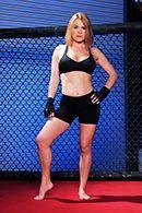 Межрасовый секс блондинки с негром на ринге #1