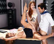 Жаркий секс зрелых дам втроем на столе - 3