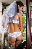 Смотреть порно втроем со стройными невестами #2