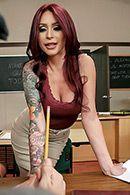 Горячий секс студента с училкой на столе #2