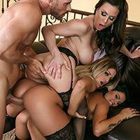 Групповое порно лысого с тремя горячими лесбиянками