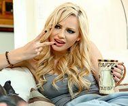 Порно видео с красивой кончающей блондинкой - 1
