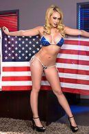 Жаркое порно красивой блондинки на столе директора #1