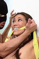 Жесткий секс бандита с молодой азиаткой #2