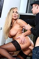 Горячий секс со зрелой блондинкой с тату #5