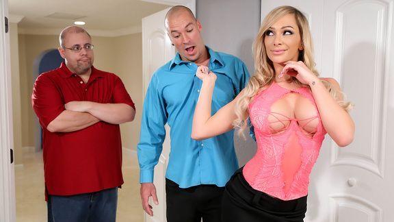Красивое порно видео с сисястой блондинкой