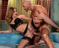 Порно со стройной блондинкой в чулках - 3