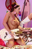 Оральный секс красивых лесбиянок с большими сиськами #3