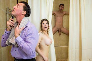 Альный секс грудастой брюнетки с мужем и любовником