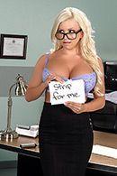Красивый секс грудастой блондинки в чулках #1