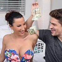 Зрелая брюнетка занимается вагинальным сексом за деньги со своим ёбарем