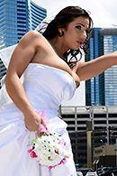 Вагинальный трах черноволосой невесты с большими сиськами #1