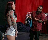 Межрасовый трах рыжей красотки с татуировками - 1