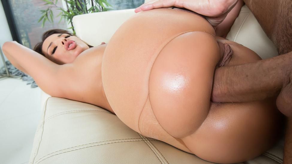 Порно Большой Попа На Диване