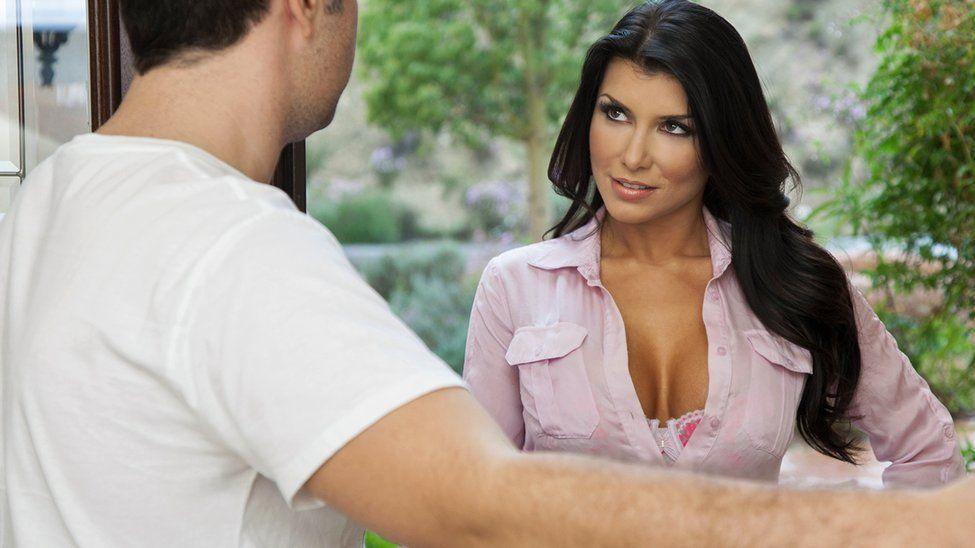 Красивый секс с шикарной брюнеткой и ее партнером