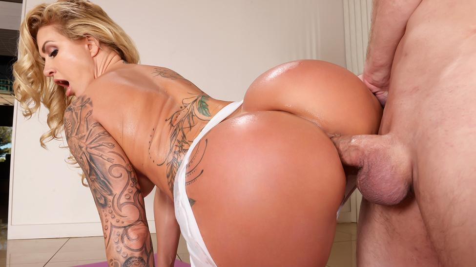 Блондинки с огромными попками порно анал, шлюху в кемерово