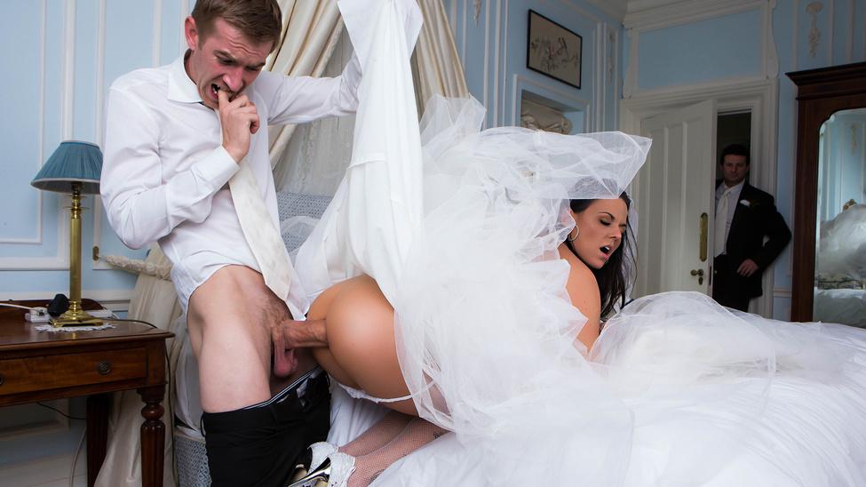 изучать ассортимент невесте привезли свадебное платье и выебали онлайн порно реальные фотосессии звезд
